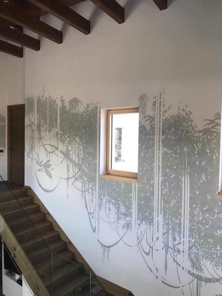 Igor Shulman painted the wall